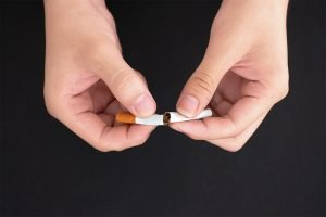 top 5 reasons to quit smoking now from your moorabbin dentist